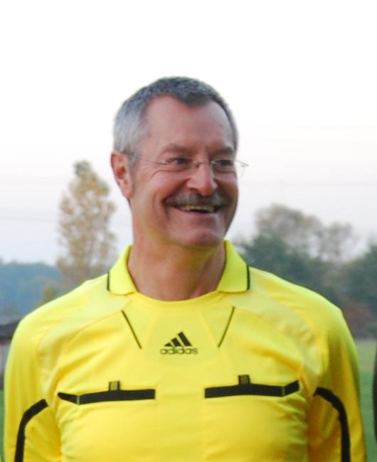 Schiedsrichter Hans-Jürgen Burkhardt